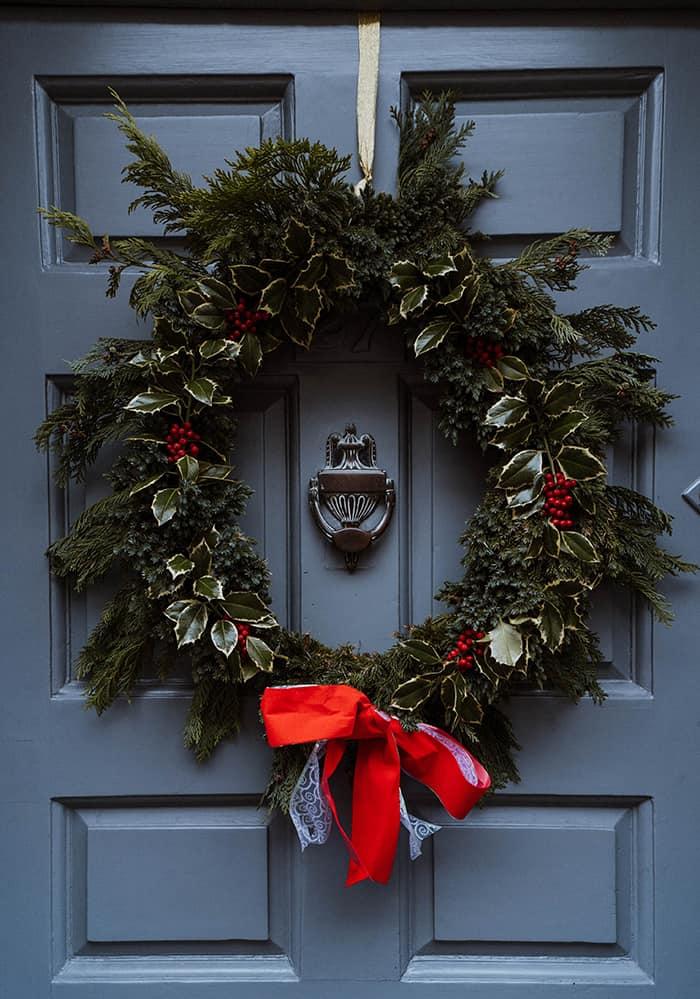 How to Celebrate Yule - Evergreen Wreath